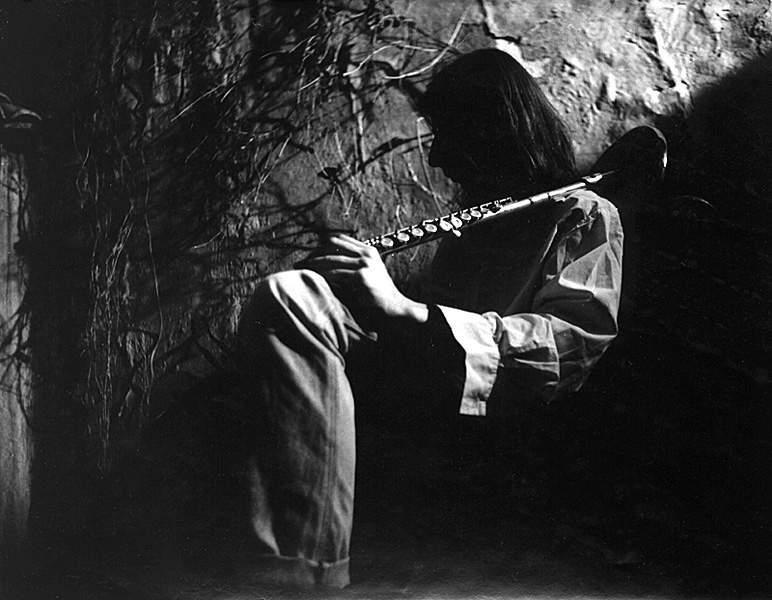 Александр Воронин на съёмках клипа ''Папоротник'' 93г. (фото Геннадия Немых)