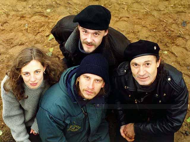Группа ''Ковчег'' 1998. Фото Ольги Арефьевой при помощи прохожего