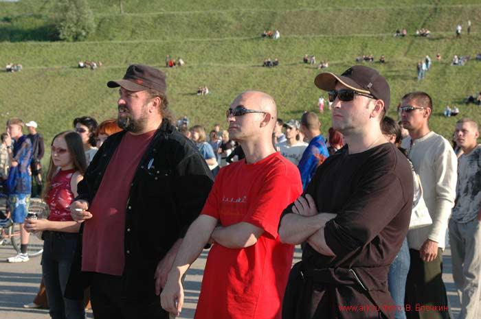Три богатыря. Группа ''Ковчег'' на фестивале в Новочебоксарске 25.06.2005. Фото Вячеслава Ёлочкина