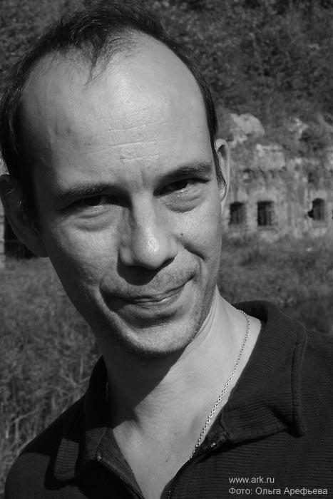 Петр Акимов (виолончель, клавиши) сентябрь 2007. Фото Ольги Арефьевой