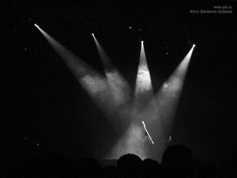 Ольга Арефьева и «Ковчег». Фото с электрического концерта в Киеве (Дом офицеров) 28 октября 2007. Фото Валентина Зубакова