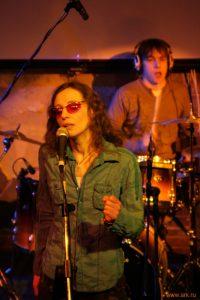 Ольга Арефьева и «Ковчег». Фотографии с электрического концерта 1 декабря 2007 в клубе «ХО». Фото KALIMBA