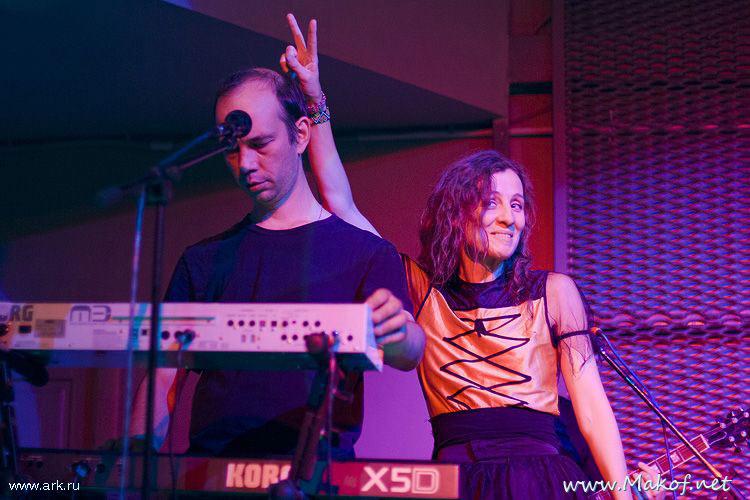 Ольга Арефьева и «Ковчег». Фотографии с электрического концерта 9 октября 2009 в Новокузнецке. Фото Марии Коряга