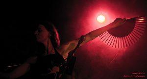 Ольга Арефьева и «Ковчег». Фотографии с электрического концерта в клубе «Plan B» (Москва) 13 мая 2010. Фото Дмитрия Рябинкина
