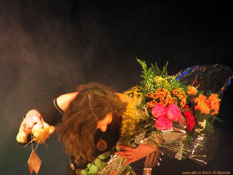 Ольга Арефьева и «Ковчег». Фотографии с концерта в г. Апатиты 24 октября 2010 (программа «Анатомия»). Фото Игоря Фролова