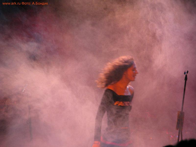 Ольга Арефьева и «Ковчег». Фотографии с электрического концерта в Харькове 5 ноября 2010. Фото Андрея Бондика
