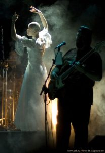 Ольга Арефьева и «Ковчег». Фотографии с электрического концерта в Киеве 6 ноября 2010.  Фото Натальи Корниенко