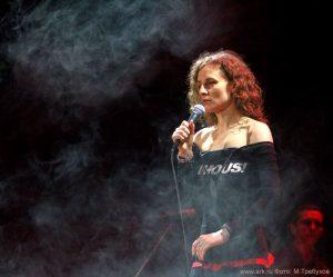 Ольга Арефьева и «Ковчег». Фотографии с электрического концерта в Киеве 6 ноября 2010.  Фото Макса Требухова