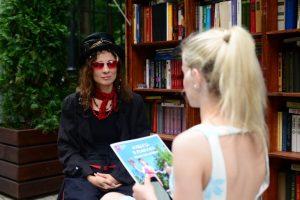 Ольга Арефьева на фестивале ''Книги в парках'' 6 июля 2014. Фото: M24.ru/Юлия Накошная