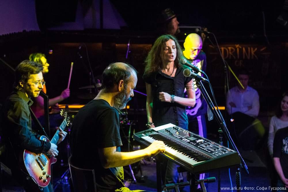 Ольга Арефьева и Ковчег - концерт в Ижевске 15 марта 2015. Фото Софи Гусаровой.