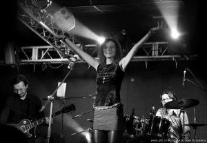 Ольга Арефьева и Ковчег - концерт в Санкт-Петербурге в клубе ''Зал ожидания'' 5 апреля 2015. Фото Анастасии Кузьминой.