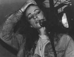 С Блюз-Ковчегом на фестивале женского вокала 8 марта 92г. (фото Михаила Тимофеева)