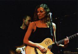 Ольга Арефьева и Ковчег. Фото Елены Завьяловой с электрического концерта в ЦДХ 27 ноября 2005