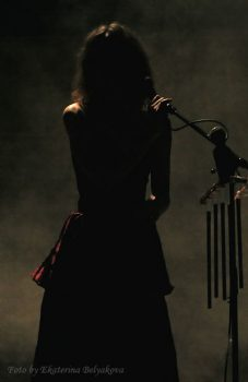 Ольга Арефьева и «Ковчег». Фото с концерта акустики в ЦДХ 2 марта 2007. Фото Екатерины Беляковой