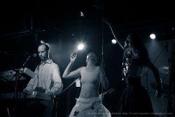 Ольга Арефьева и «Ковчег». Фотографии с электрического концерта в клубе «Plan B» (Москва) 3 октября 2008. Фото Дмитрия Рябинкина