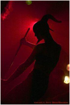 Ольга Арефьева и «Ковчег». Фотографии с электрического концерта в клубе «Plan B» (Москва) 3 октября 2008. Фото Милы Манзарек