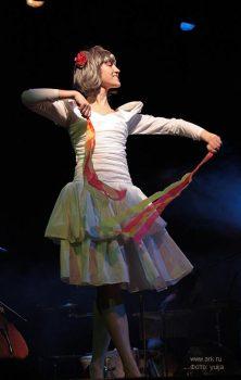 Ольга Арефьева и «Ковчег». Фотографии с акустического концерта в Театре Эстрады (Санкт-Петербург) 14 марта 2009. Фото yuija