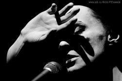 """Ольга Арефьева и «Ковчег». Фотографии и зарисовки с представления """"Рояль-Ковчега"""" 29 марта 2009 в ЦДХ (Москва). Фото Романа Екимова"""