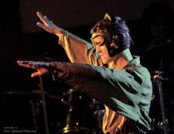 Ольга Арефьева и «Ковчег». Фотографии с электрического новогоднего концерта в клубе «Plan B» (Москва) 9 января 2010.  Фото Дмитрия Рябинкина