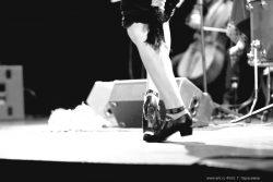 """Ольга Арефьева и «Ковчег». Фотографии с акустического концерта в театре """"Лицедеи"""" (Санкт-Петербург) 4 июня 2011. Фото Георгия Герасимова"""