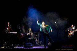 Ольга Арефьева и «Ковчег». Фотографии с электрического концерта в Днепропетровске (Украина) 3 ноября 2011.  Фото Александра Гавриленко