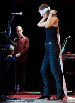Ольга Арефьева и «Ковчег». Фотографии с электрического концерта в Киеве 5 ноября 2011. Фото Макса Требухова