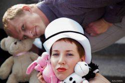 "Ольга Арефьева и KALIMBA на съемках клипа ""Человечки"", июнь 2012"