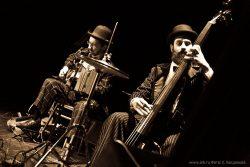 Фотографии с концерта «Кабаре-Ковчега» 11 октября 2013 в Музее-театре «Булгаковский Дом» (Москва). Фото Екатерины Богдановой.