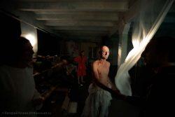 """Фотографии с репетиций и премьеры спектакля """"Приключения в романе"""". Фотографии Валерия Кламма."""